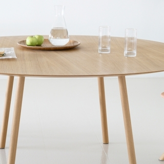 Viccarbe-Maarten-Table-by-Victor-Carrasco-3