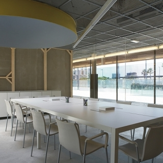 mobles114-pey-dinning-table-massana-tremoleda-loc-tif-n007