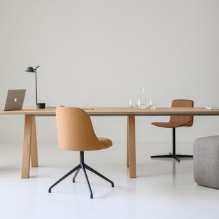 Viccarbe-Trestle-table-by-John-Pawson-3